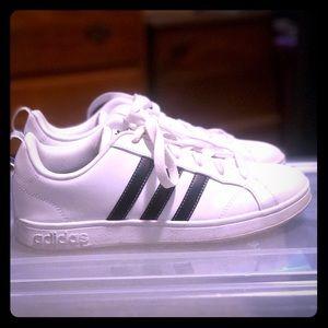 Adidas Sneakers 7.5